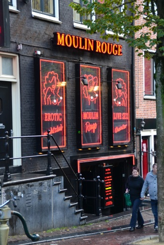 le Moulin Rouge au quartier rouge