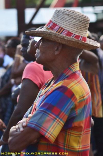 homme au chapeau bakoua